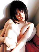 Akina Suzuki Asian with such hot behind shows some juicy boobs