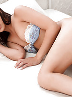Mina Asakura Asian with big boobs is so sexy in the morning